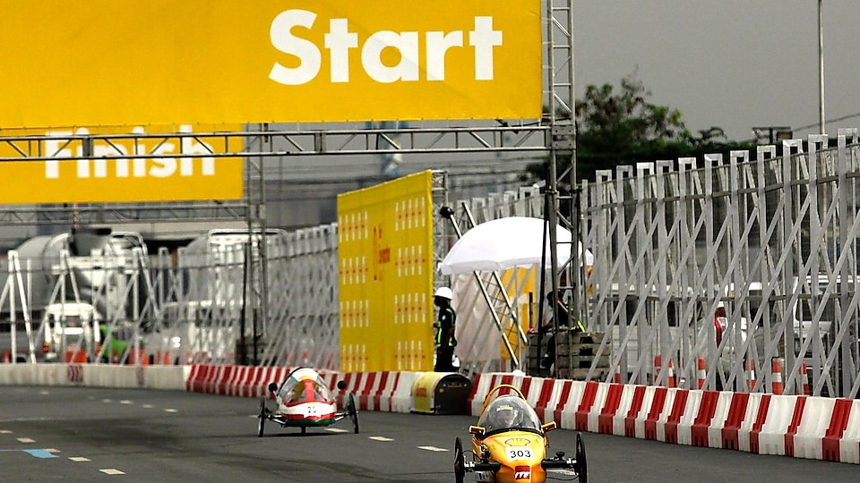 The SQU Eco Wheels, #25, a gasoline prototype vehicle from SQU team at the Sultan Qaboos University in Alkhoudh, Oman, run on the track during day two of the Shell Eco-marathon Asia in Manila, Philippines, Friday, March 4, 2016.