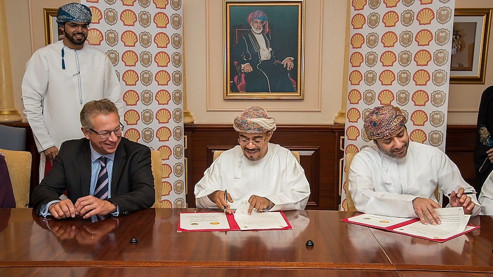 Shell and Sultan Qaboos University sign Shell Eco-marathon Agreement