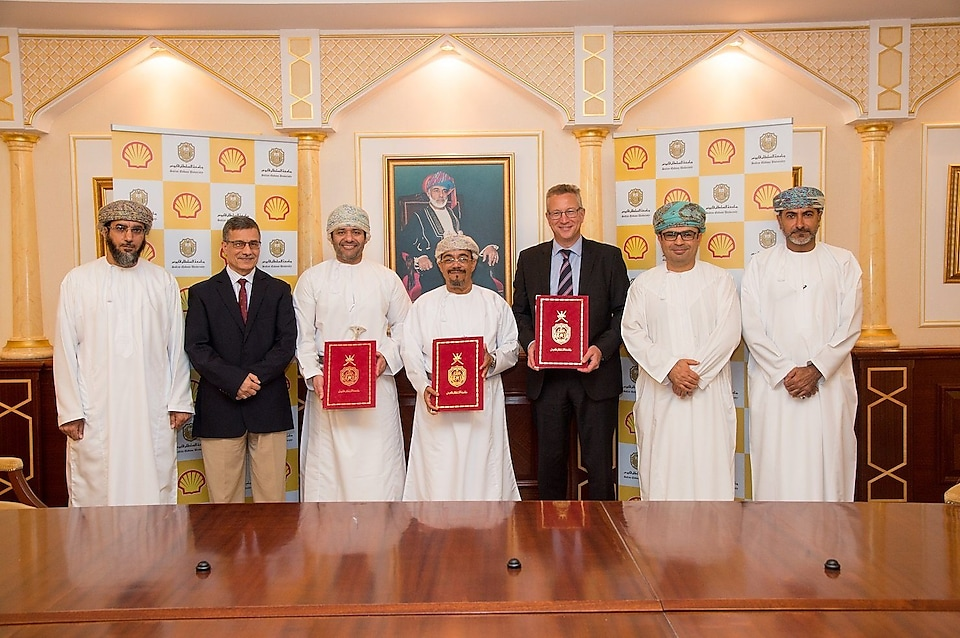 Sultan Qaboos University (SQU) and Shell Oman signed an agreement for a student team from the University